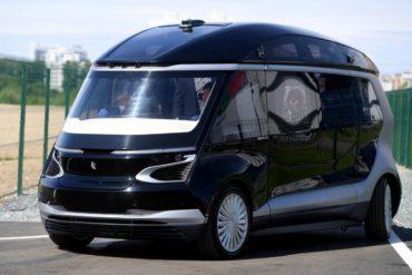 Шесть компаний в 2019 году начнут тесты беспилотных автомобилей на российских дорогах