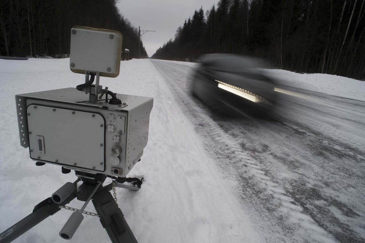 В Карелии трассу Р-21 массово заставили передвижными комплексами фотовидеофиксации