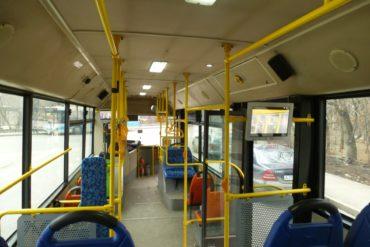 С «заботой» о пассажирах: в автобус без подушек вход воспрещен