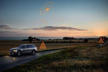 В Европе автомобили Volvo будут обмениваться информацией о дорожных опасностях