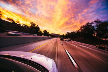 Скорость движения автомобиля – главная причина аварий на дорогах и штрафов с камер?