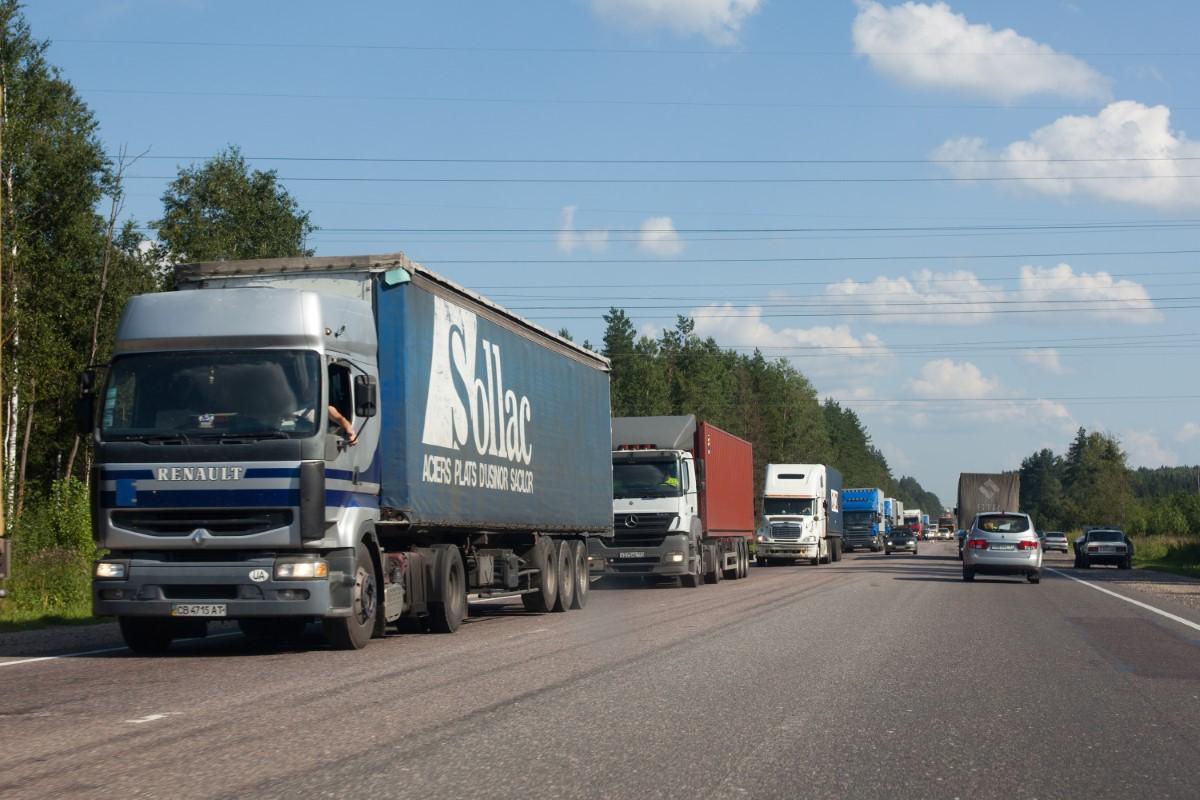 С 24 мая движение грузовиков на М-4 «Дон» в районе Лосево и Павловска будет ограничено