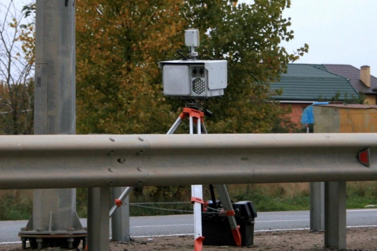 Свет на трассах и убрать камеры из кустов: станет ли лучше автомобилистам после заявлений президента?