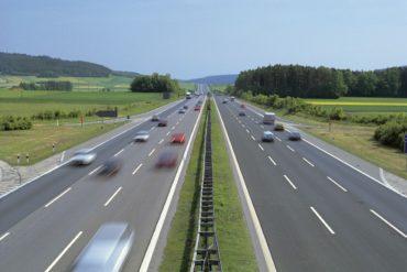 Российские власти отказались от идеи дорог со скоростным безлимитом