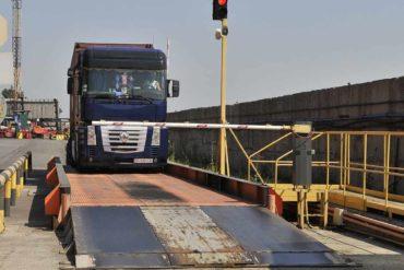 За перевес водителей грузовиков будут лишать прав и конфисковывать автомобили