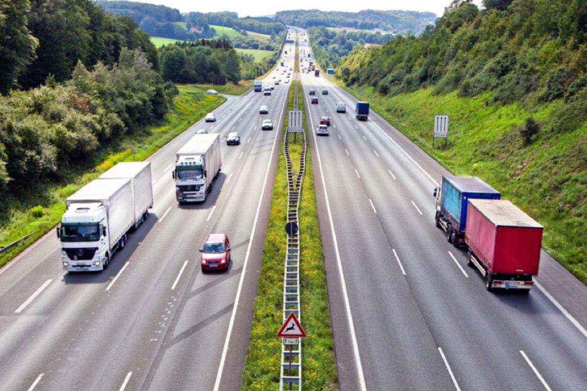 Скорость на автобанах Германии не будут ограничивать