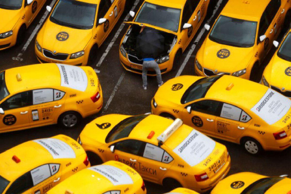 Запретят ли парковку такси во дворах Подмосковья?