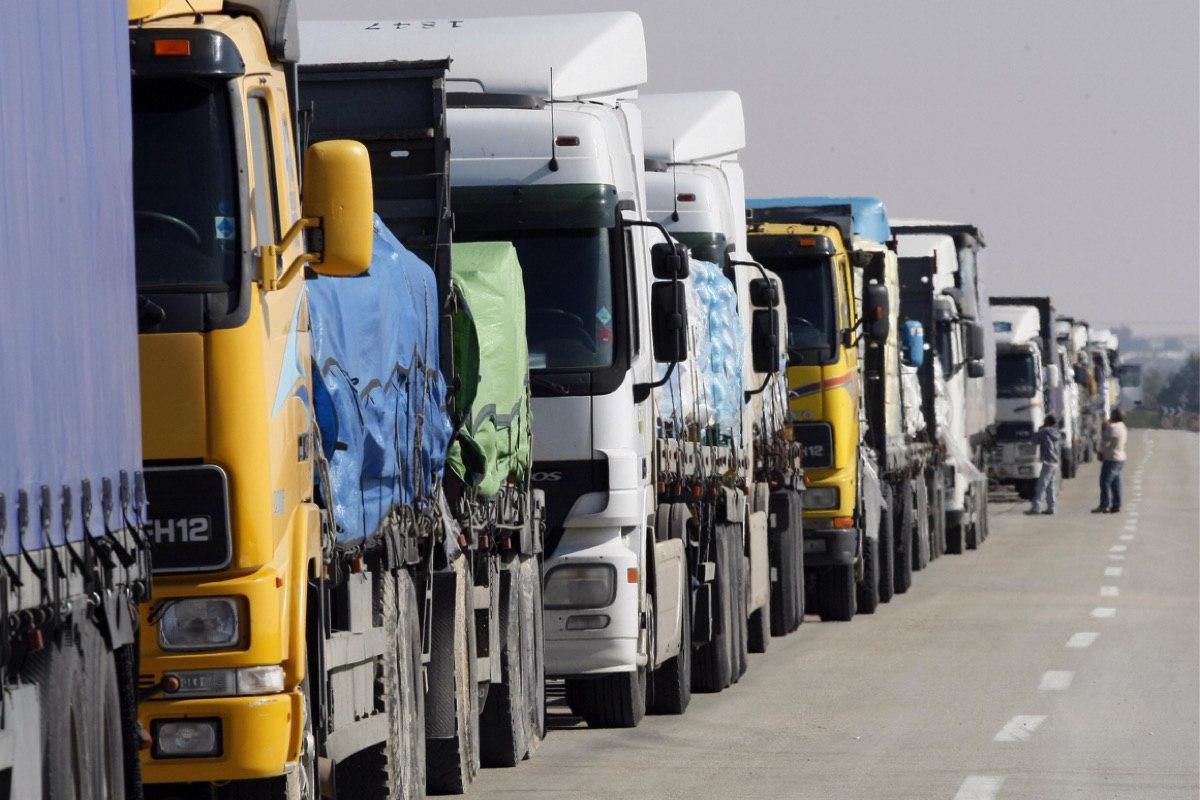 Когда граница на замке: чего ждать водителям-дальнобойщикам?