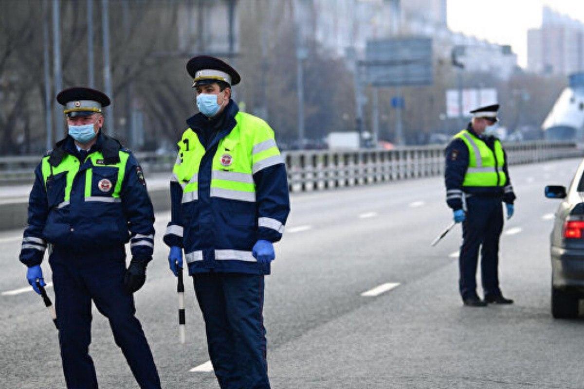 На линии контроль: московских водителей, не имеющих пропуска, будут штрафовать несколько раз в день