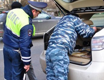 Ваша машина – больше не ваша крепость: полиции разрешено вскрывать автомобили