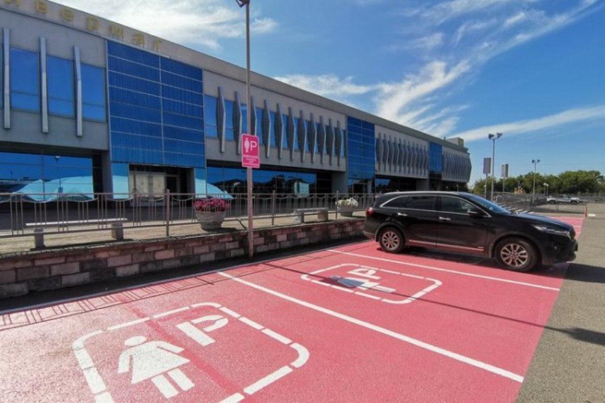 В ГИБДД не поддержали инициативу Казани по открытию первой женской парковки и потребовали ее немедленной ликвидации.