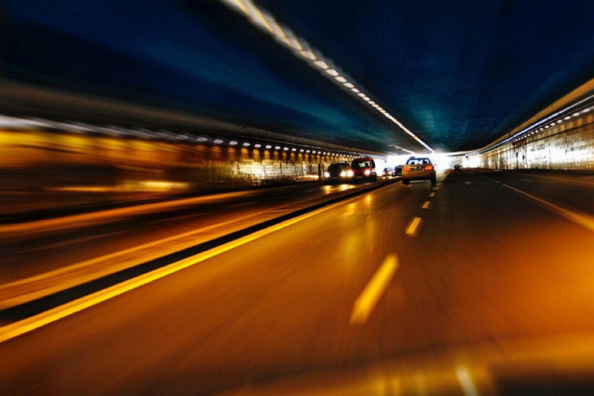 В 20 московских тоннелях появилась прерывистая разметка