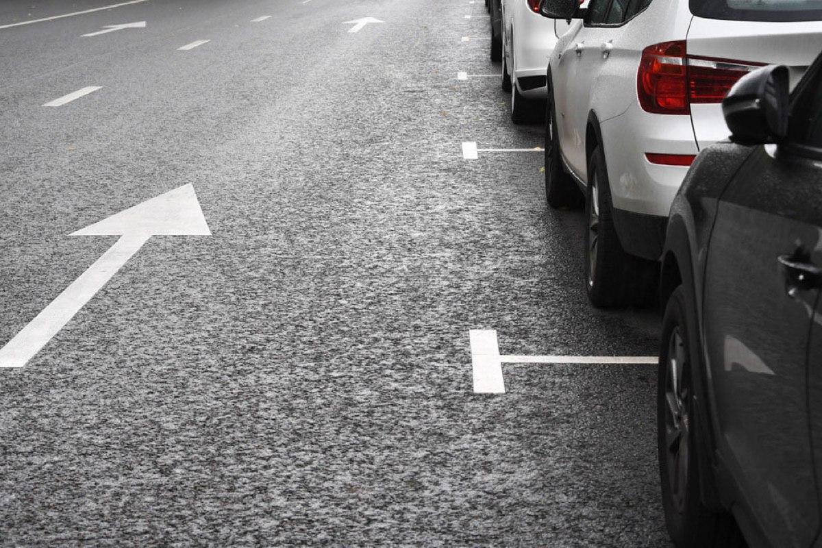 В ГИБДД не поддержали предложение думы отменить штраф за проезд по парковочным местам