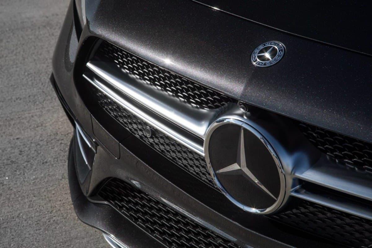 ФНС ошиблась в расчетах - тысячи автовладельцев получили уведомление о налоге на роскошь