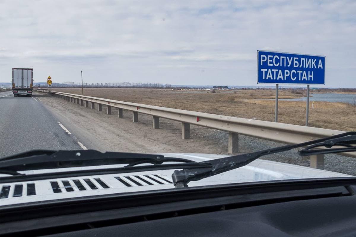 На некоторых трассах Татарстана в летний период увеличат максимально разрешенную скорость