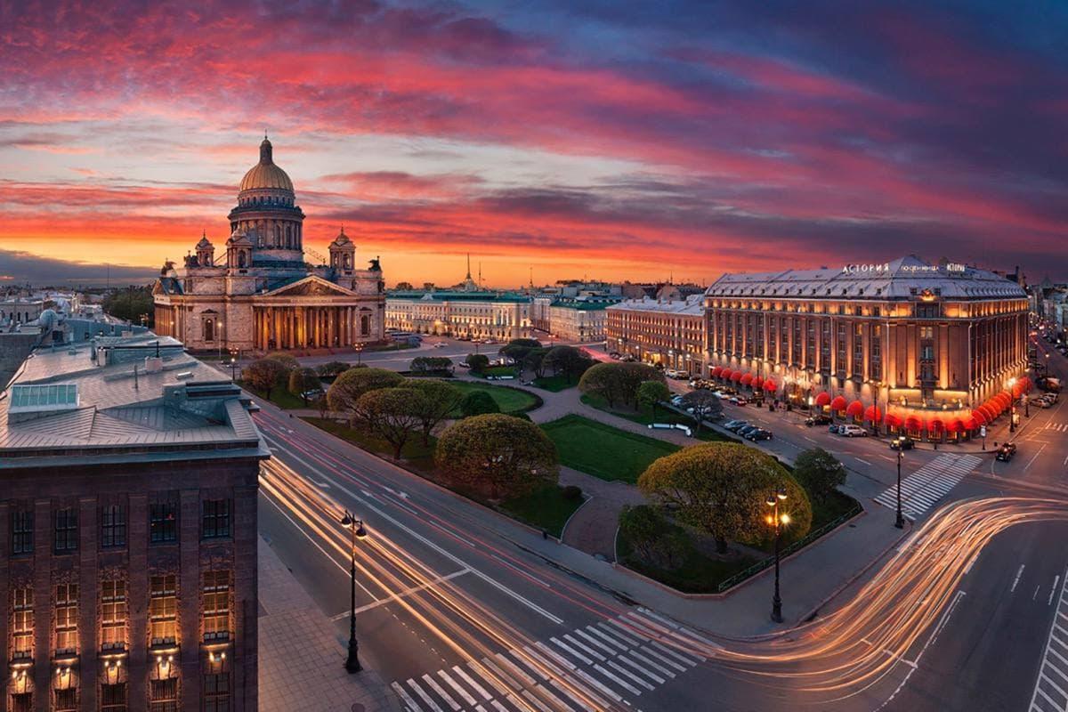 Стоянка станет платной на 336-ти улицах Санкт-Петербурга