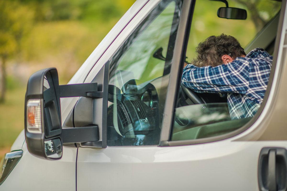 Минтранс предложил автомобили массой свыше 3,5 тонн оборудовать системой контроля состояния водителей