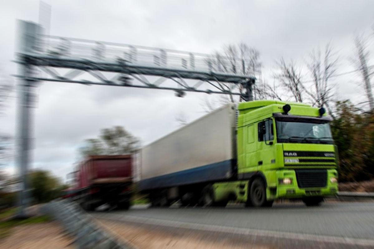 Скоро на дорогах Крыма начнут работать автоматические комплексы весогабаритного контроля
